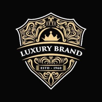 Incisione disegnata a mano vintage di lusso vintage con etichetta logo antica incisione adatta per birra artigianale, enoteca e ristorante