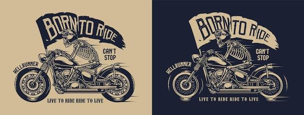 Etichetta di moto d'epoca di scheletro in casco da moto e occhiali in sella a una moto con bandiera con scritta born to ride
