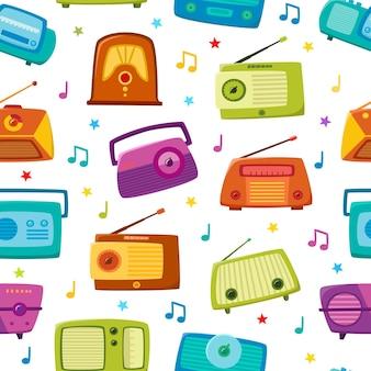 Modello senza cuciture radio vintage con note isolate su bianco