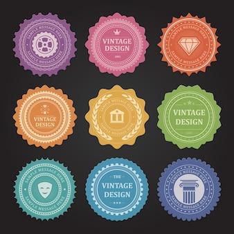 Emblemi di francobollo retrò vintage. simbolismo antico giallo del tempio con maschera teatrale verde. tuning negozio di marca con ingranaggi viola e azienda di gioielli arancione con diamante di lusso.
