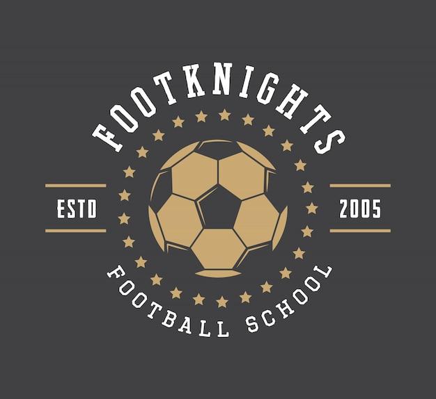 Logo, emblema, distintivo, etichetta e filigrana di calcio o calcio vintage con palla in stile retrò.