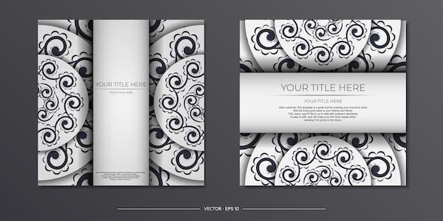 Cartoline vettoriali vintage in colore chiaro con motivi astratti. design della carta di invito con ornamento mandala.