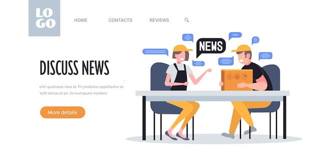 Magazzinieri in chat durante la riunione discutendo notizie quotidiane chat bolla concetto di comunicazione