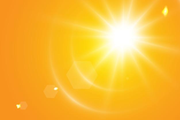 Sole caldo su sfondo giallo. leto.bliki raggi solari