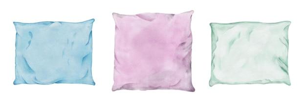 Insieme dell'acquerello di cuscini sgualciti in federe colorate isolati su priorità bassa bianca