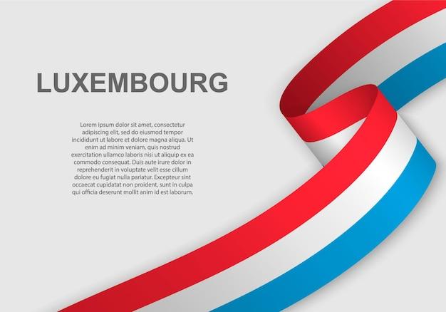 Sventolando la bandiera del lussemburgo.