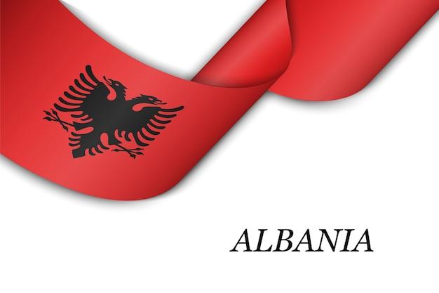 Sventolando in nastro o banner con la bandiera dell'albania.