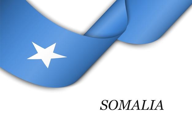 Sventolando il nastro con la bandiera della somalia.