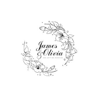 Modello di partecipazione di nozze con fiori di ibisco disegnati a mano