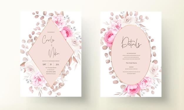 Carta di invito a nozze con mano disegnare pesca e fiori marroni