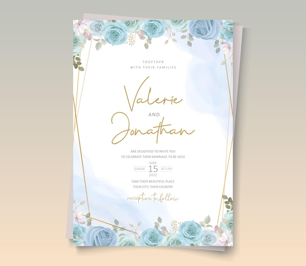 Design invito a nozze con fiori di colore morbido e foglie