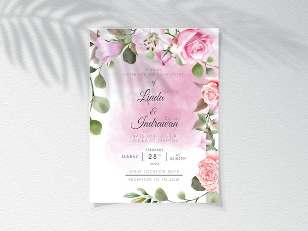 Modello di invito a nozze con bella mano floreale disegnata