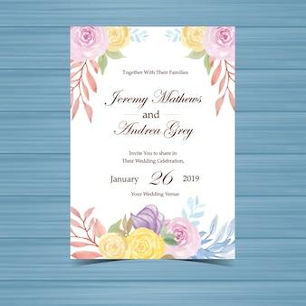 Invito a nozze con belle rose gialle e viola
