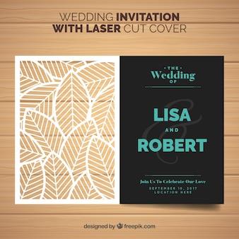 Invito di nozze con foglie tagliate a laser