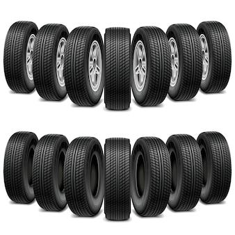 Cuneo di pneumatici isolato su sfondo bianco