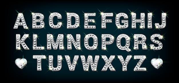 Alfabeto in oro bianco e argento con diamanti a forma di cuore, lettere dalla a alla z in stile realistico