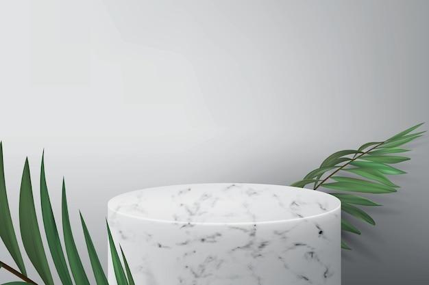 Podio in marmo bianco per dimostrazione prodotto. sfondo grigio con foglie di palma verdi e piedistallo vuoto per esporre cosmetici.