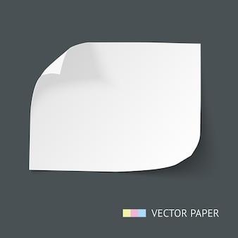 Foglio di carta bianco con angoli curvi e morbida ombra isolato su sfondo scuro. modello di nota di carta per banner web. cornice di carta per il testo