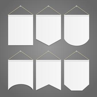 Modello di gagliardetto bianco appeso al set da parete. illustrazione vettoriale