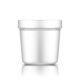 Modello di secchio di plastica bianco isolato dal contenitore di gelato, burro o yogurt di sfondo