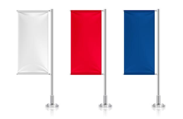 Set di bandiere tessili bianche, rosse e blu