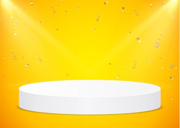 Podio rotondo bianco con faretti e coriandoli d'oro su uno sfondo giallo. piedistallo per la presentazione del prodotto.