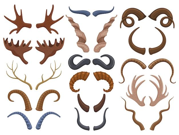 Corna di animali selvatici, renne, toro, capra. caccia trofeo cervi, stambecchi, pecore e corna di alce isolato set di illustrazioni vettoriali. trofeo animali selvatici corna. corno di renna e capra arrapati