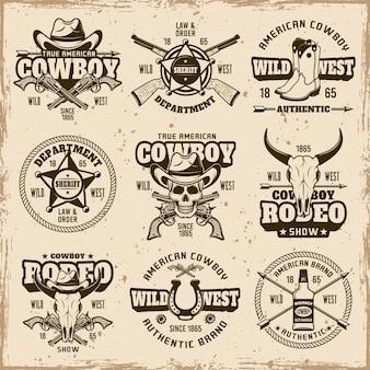 Selvaggio west, dipartimento dello sceriffo, spettacolo di rodeo da cowboy set di emblemi marroni vettoriali