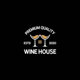 Logo della casa del vino con bicchiere di vino e modello di vettore della casa