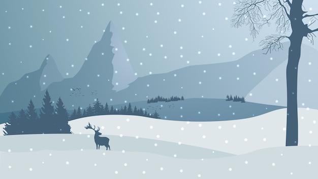 Paesaggio invernale con montagne e pini