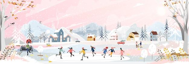 Paesaggio invernale con persone che si divertono a fare attività all'aperto nel villaggio con persone in festa, bambino che gioca a pattini da ghiaccio, adolescenti che sciano con la neve che cade