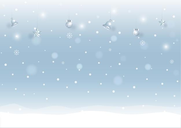 Inverno con sfondo innevato con ornamenti natalizi.
