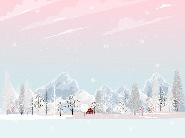 Paese delle meraviglie invernale con pino e montagna