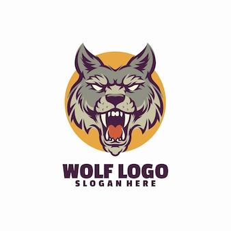 Modello di logo arrabbiato lupo isolato su bianco
