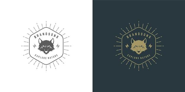 Siluetta dell'illustrazione di vettore dell'emblema del logo della testa del lupo per maglietta o timbro di stampa. distintivo di tipografia vintage o design di etichette.