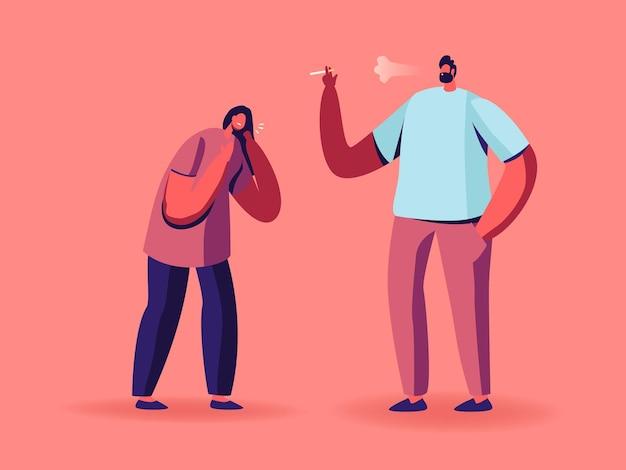 Donna che tossisce la sofferenza del fumo sta vicino al fumatore dell'uomo con la sigaretta