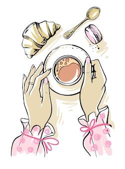 Mani della donna che tengono il caffè in caffè. vista dall'alto.