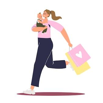 Donna che tiene bambino e borse in esecuzione per lo shopping da acquistare durante i saldi e le promozioni