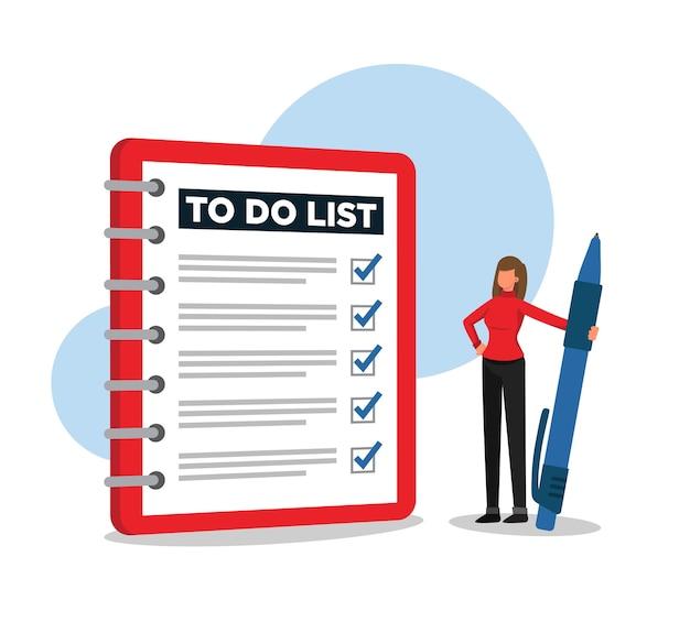 Donna che esamina un elenco completo delle attività e si sente orgogliosa di se stessa
