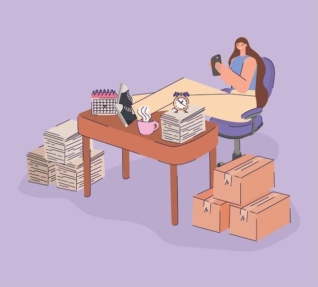 Donna procrastinando nel luogo di lavoro
