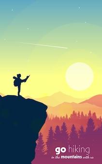 Donna in cima a una montagna che guarda una mappa turismo escursionistico avventura paesaggio poligonale vettoriale