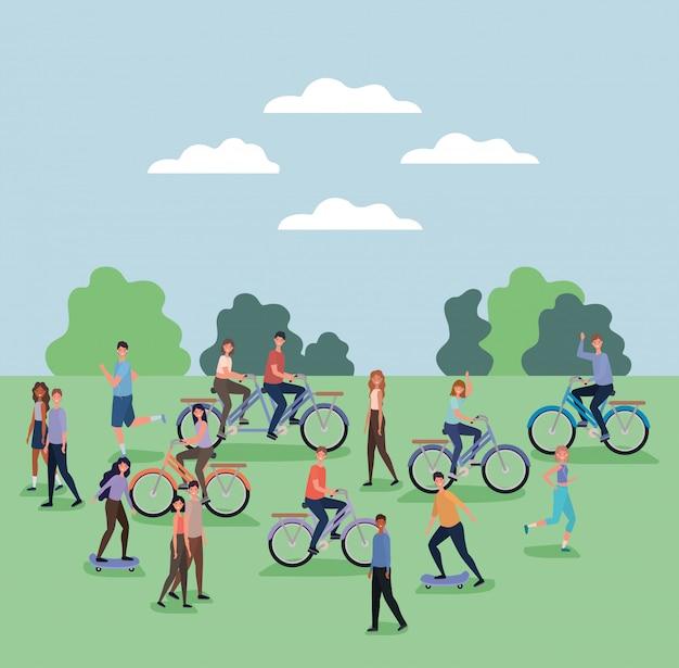 Cartoni animati di uomini e donne che guidano biciclette e skateboard al parco