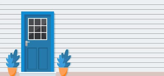 Porta di legno della vista frontale della casa,