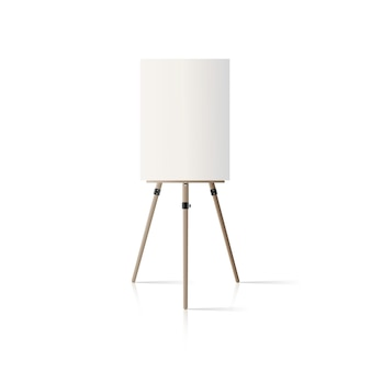 Cavalletto in legno. cavalletto con una tela vuota isolata su uno sfondo bianco.