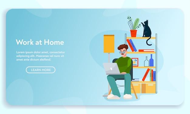Lavoro a casa. l'uomo del lavoratore remoto si siede alla scrivania, lavorando al computer portatile. home office interior design, posto di lavoro confortevole, modello di progettazione di atterraggio freelance