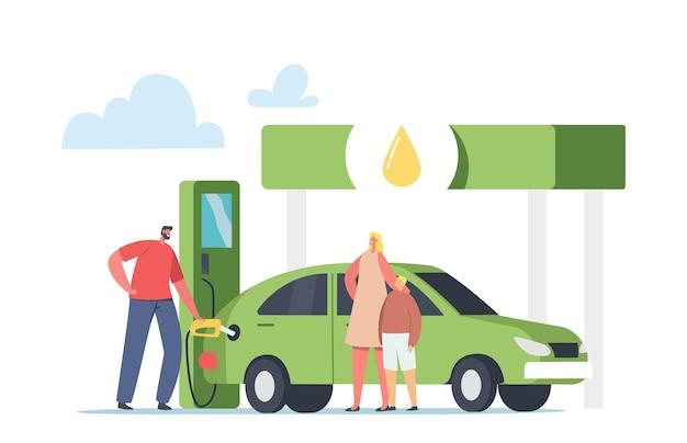 Operaio che pompa benzina ecologica, benzina per la ricarica dell'auto alla donna con bambino. auto di rifornimento dei personaggi con biocarburante sulla stazione