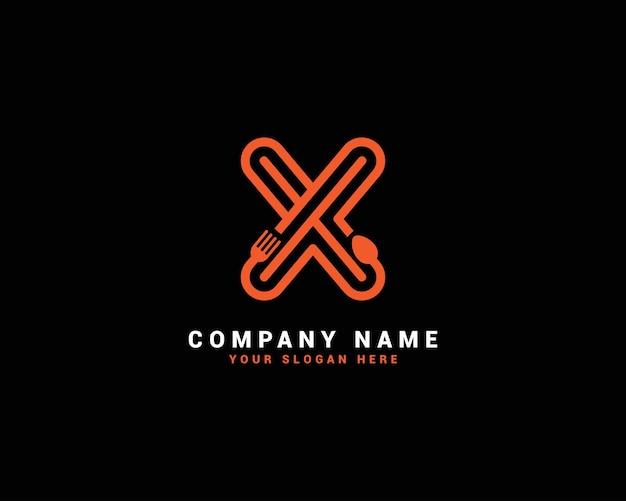 Logo della lettera del cibo x, logo della lettera del cucchiaio x, set del logo della lettera del cibo, alfabeto del cibo