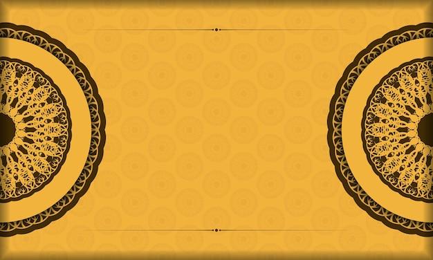 Sfondo giallo con lussuosi ornamenti marroni e spazio per il testo