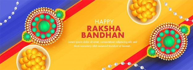 Design intestazione o banner giallo e blu con vista dall'alto pearl rakhis e indian sweet (laddu) per happy raksha bandhan.
