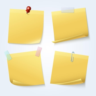 Note appiccicose gialle isolate Vettore Premium